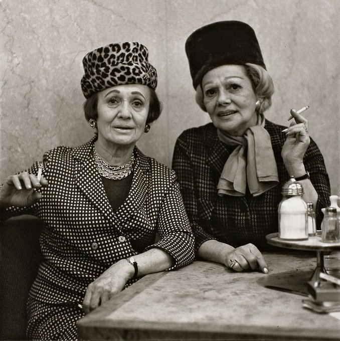 US photographer Diane Arbus,Two Ladies at the Automat, NYC,1966 #WomensArt