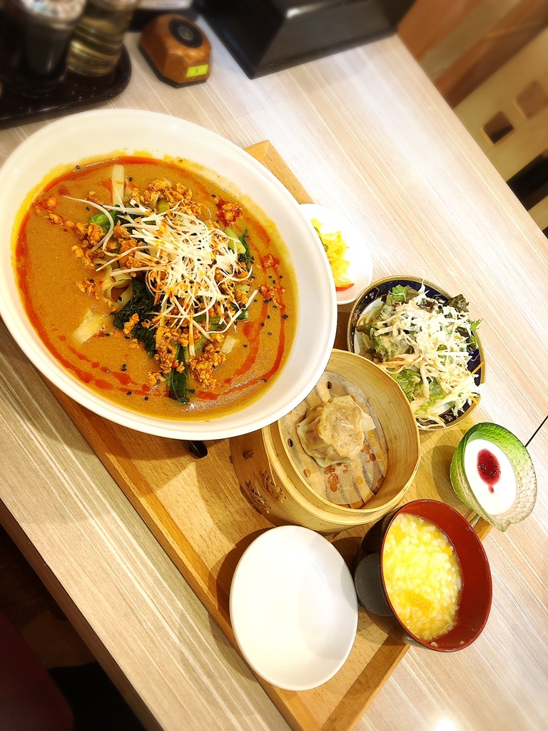 京熹 江古田駅前店@江古田 担々麺定食を太麺で♡  #tabelog