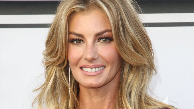 Happy 54th birthday to Mississippi Girl , Faith Hill.