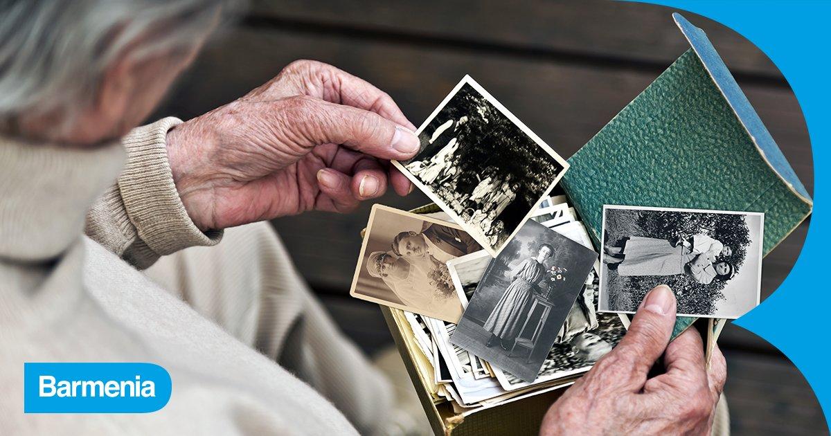 #WeltAlzheimerTag | Erinnerungen machen uns #EinfachMenschlich. Aber manche Erkrankungen führen dazu, dass sie verblassen. #Demenz ist der Sammelbegriff für ca. 50 Krankheiten des Gehirns, u. a. #Alzheimer. Allein in Deutschland erkranken im Jahr über 300.000 Menschen an Demenz. https://t.co/GizFoGDDkD