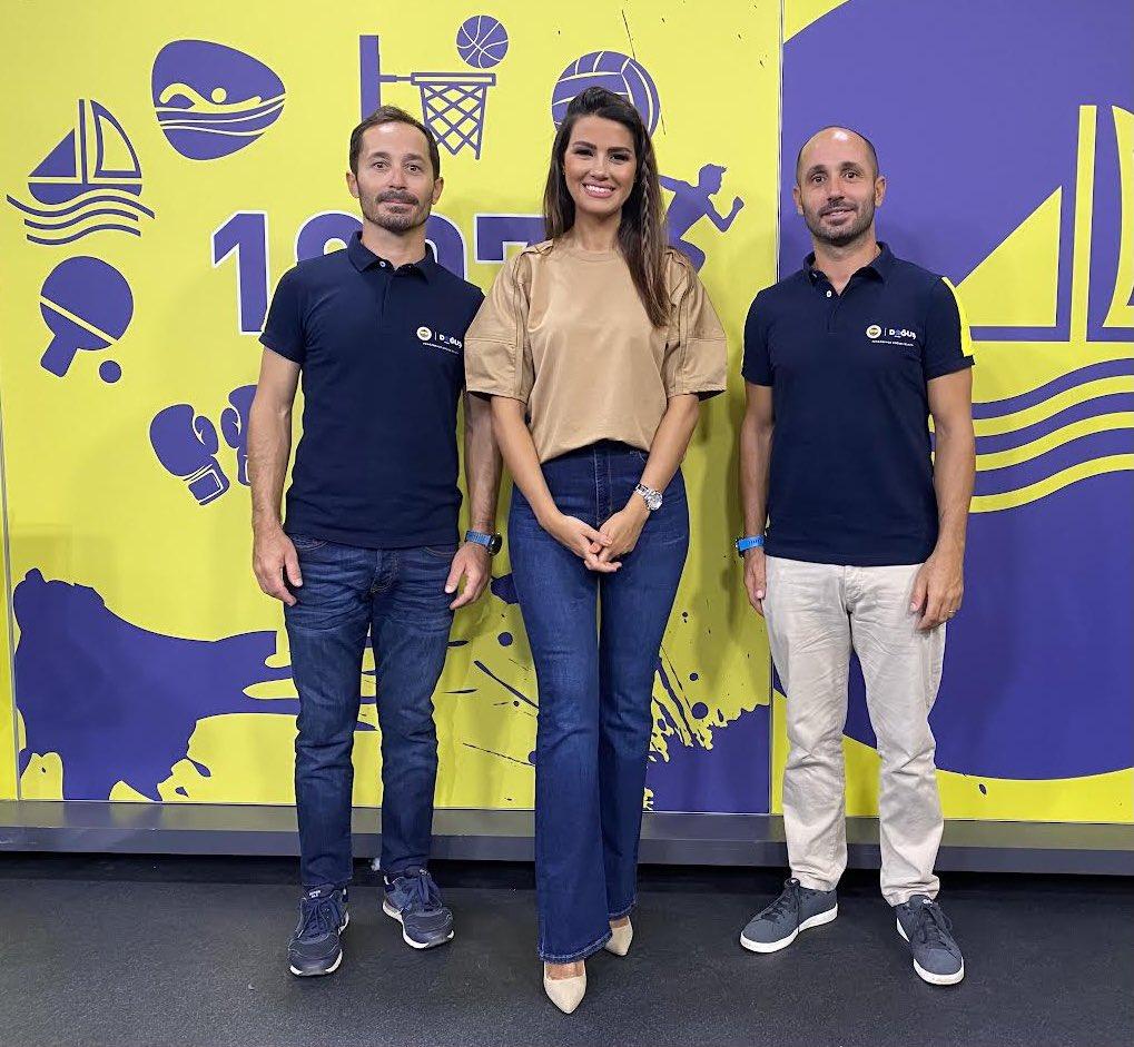 Fenerbahçe Doğuş Yelken Şubesi Sorumlusu Deniz Çınar ve Başantrenör Ateş Çınar'ın konuk olduğu 'Sportif' saat 14.30'da FBTV'de.