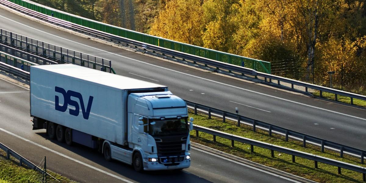 Organiseer jij straks het vervoer van projectladingen van onze internationale klanten als Expediteur Wegtransport in Venlo?   Solliciteer nu bij DSV via https://t.co/J8AUd9S4s2   #dsv #vacatures #humanresources #careers #transport #hiring #moveforward #venlo #jobs https://t.co/YAEwsSPQrk