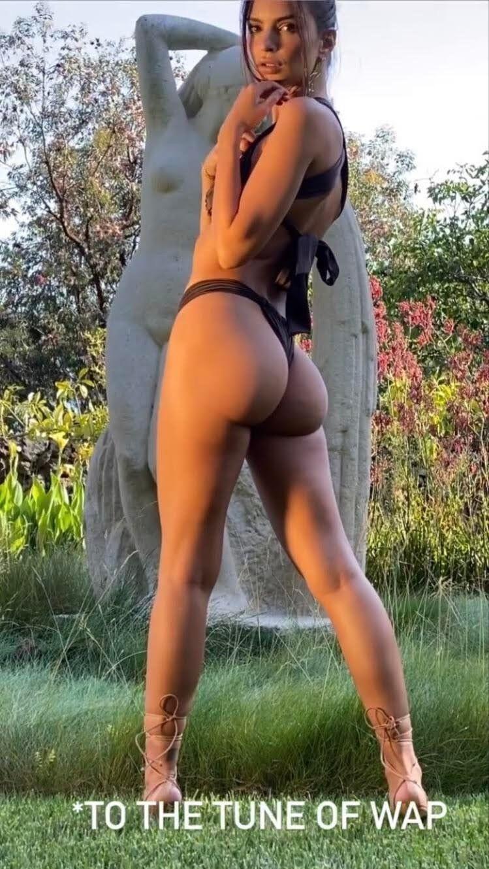 Emily Ratajkowski #legs #leggy #sexylegs https://t.co/Z4Sc4OUc7U