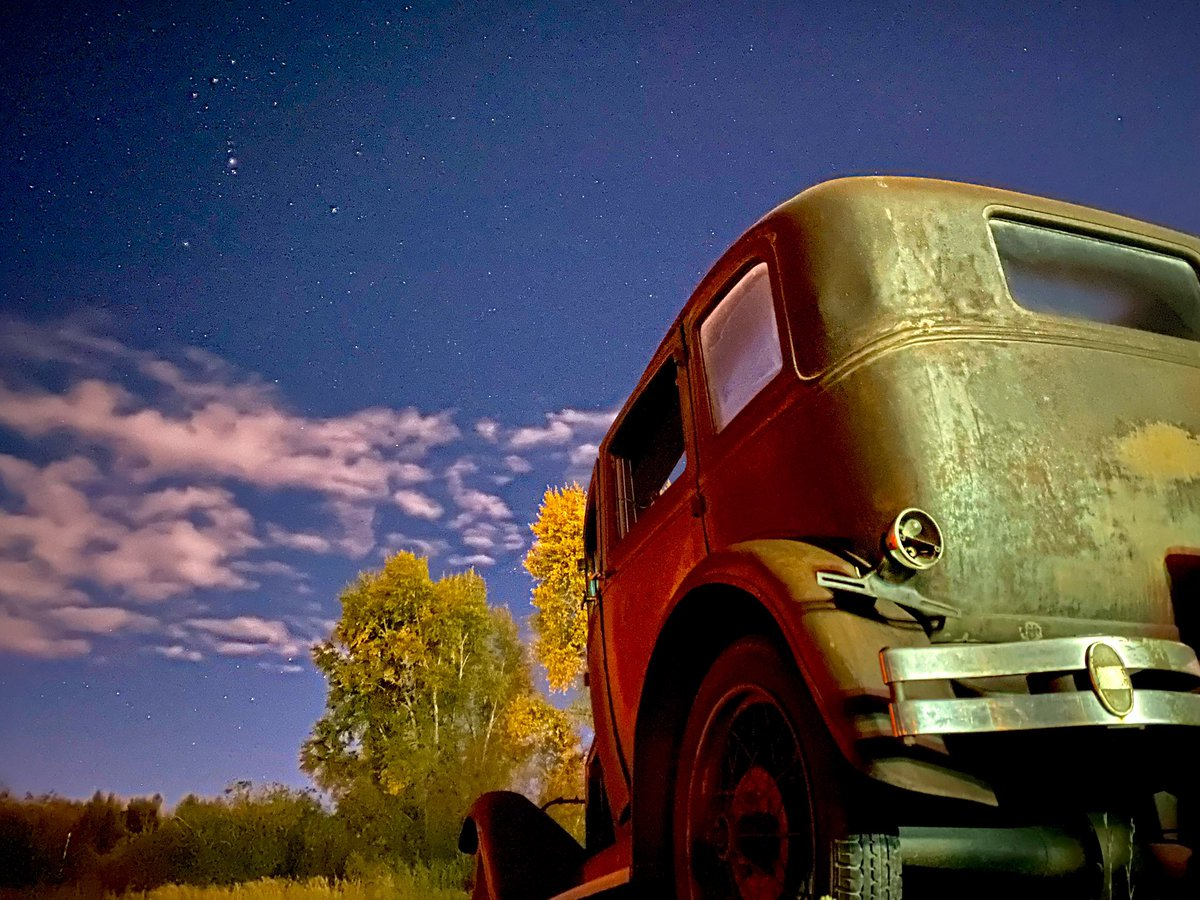 Old cars and bright stars on a cool 30 degree morning in Granby. #9News #9wx