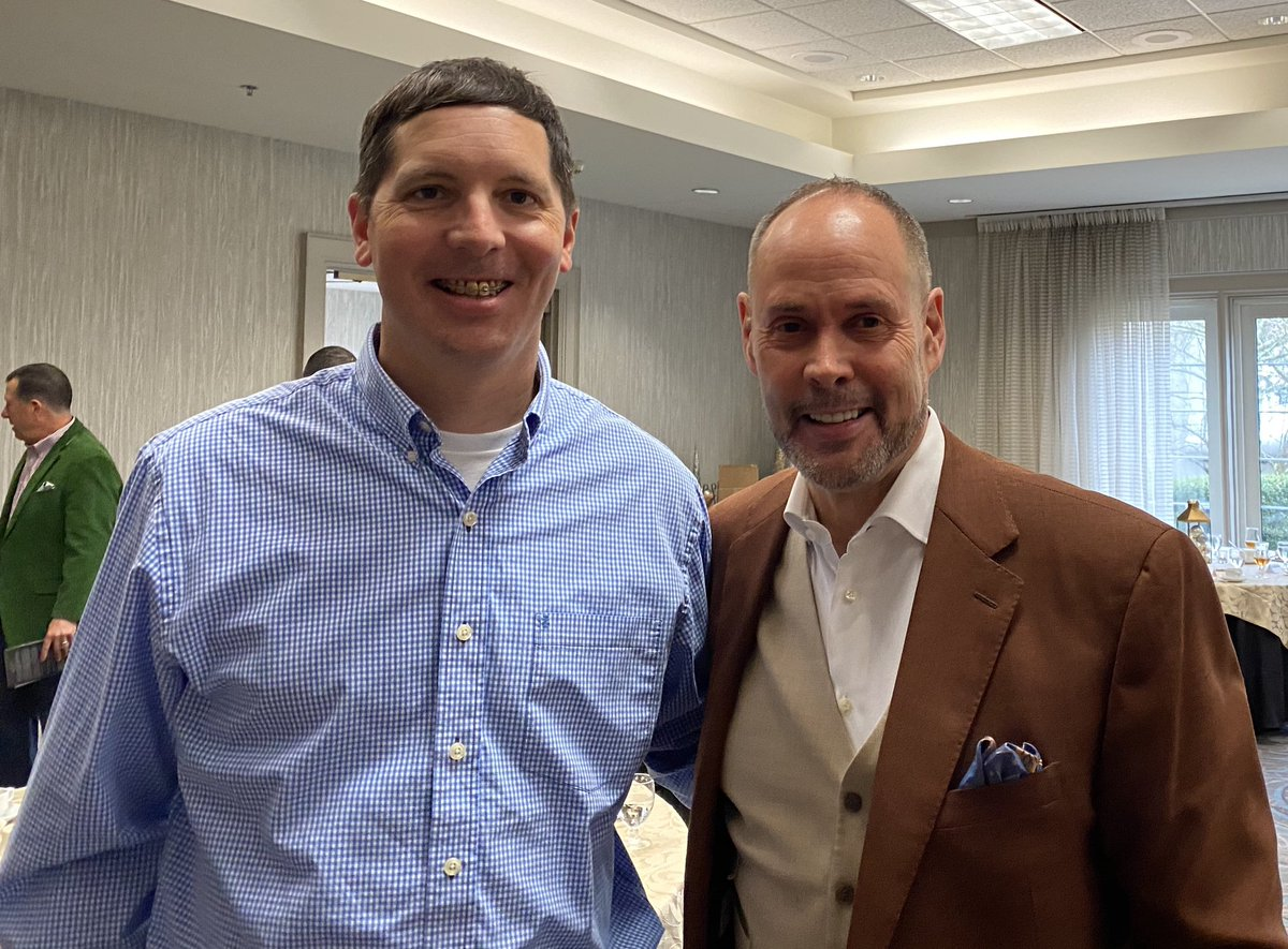 In December, I had a chance to meet a legend - @TurnerSportsEJ He shared his story of faith & family. After finishing his book, Unscripted, I'm even more impressed with him. Do yourself a favor and check out his book! #BlackberryMoments https://t.co/1foNribZJM