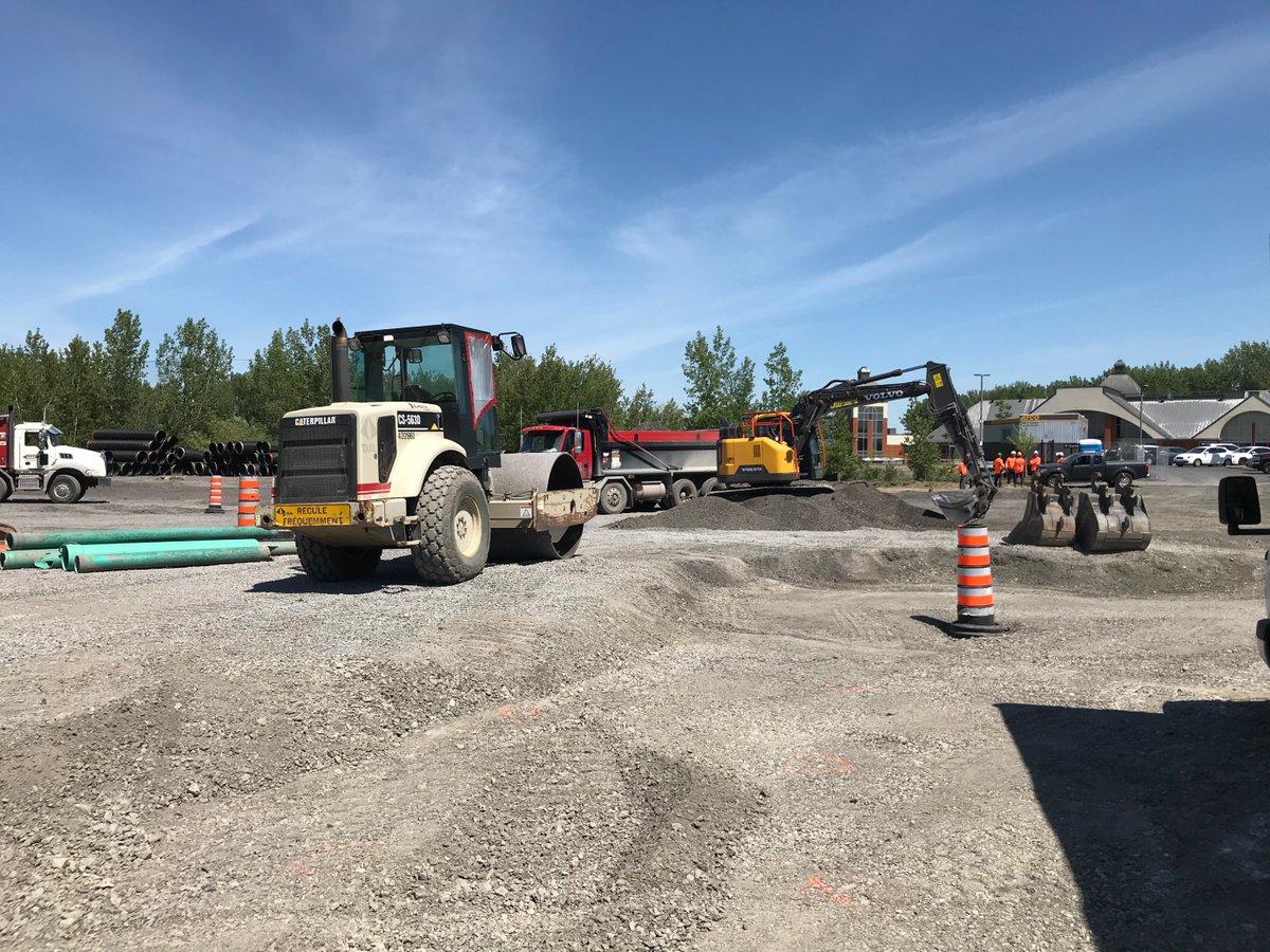 [Exo en action] 🚧🚍👷♂️ Au terminus de @villelaprairie, nous effectuerons des travaux de drainage de la partie ancienne du stationnement jusqu'à la fin août. Cette intervention corrigera un problème d'accumulation d'eau par fortes pluies.  Plus d'infos: 👉https://t.co/Xel8sXe8La https://t.co/QA187e0ivc