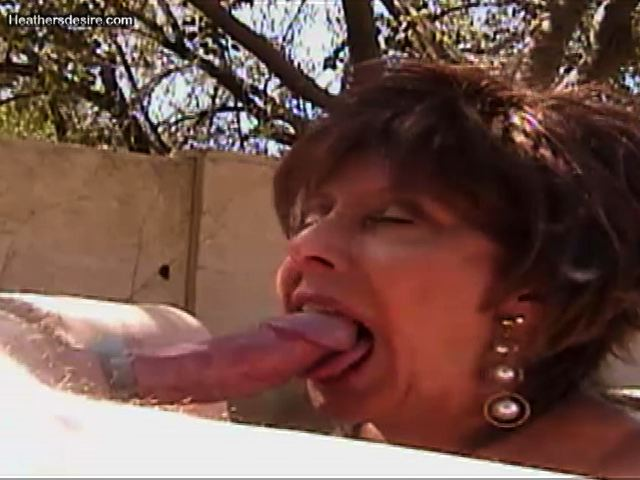 Tongue Thursday's are delightful ! Especially outside ! #MILF #Blowjob @MilfTotal @MILFModelWorld @Nigeymartin