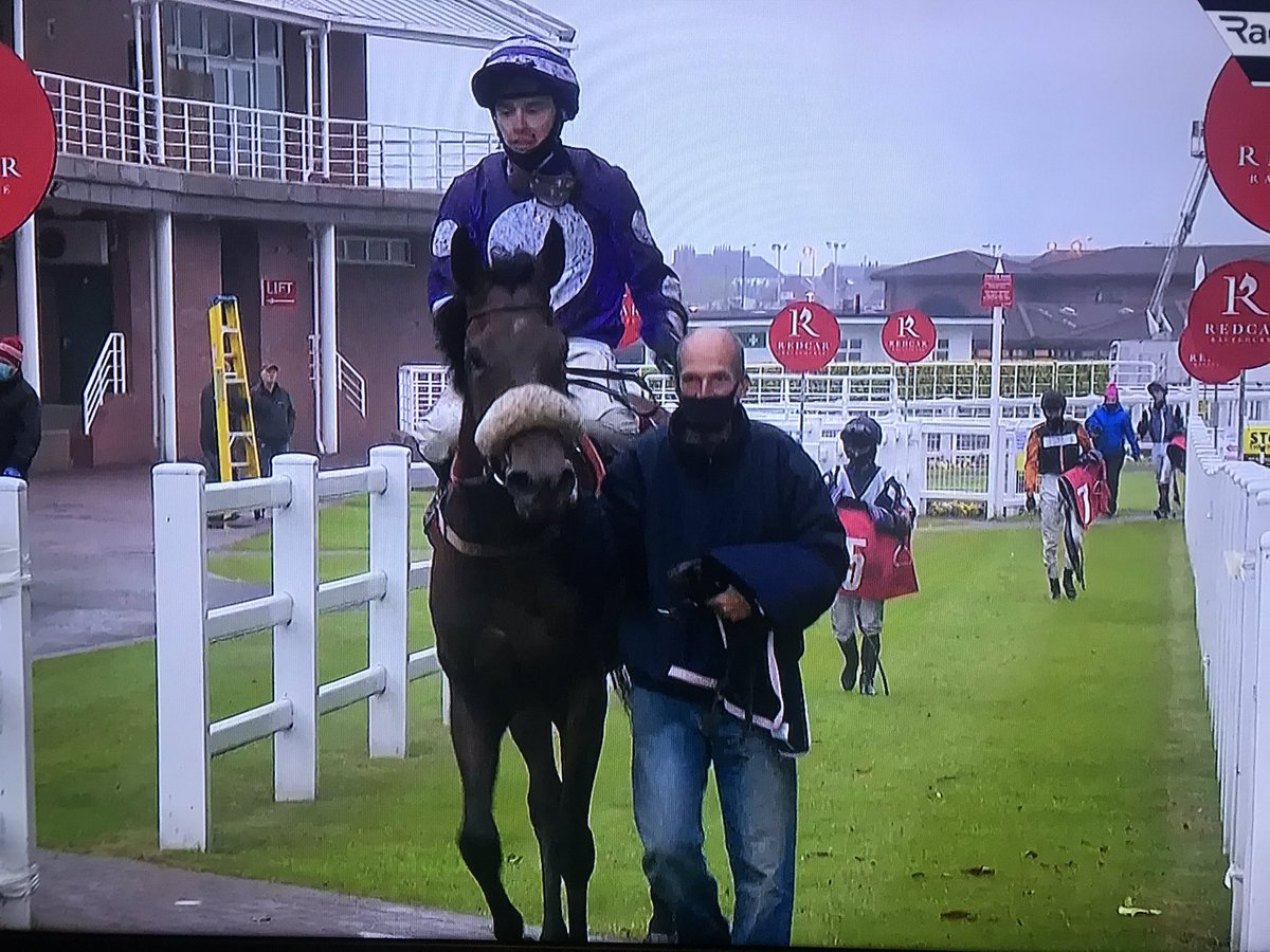 Both @Shapiro07 and I are absolutely buzzing after Nataleena's hard-fought third victory @Redcarracing tonight. Such a game performance from the filly and a powerful ride from @andrewkmulleng1. Huge thanks to @BenHaslamRacing and the team, who are in fantastic form.