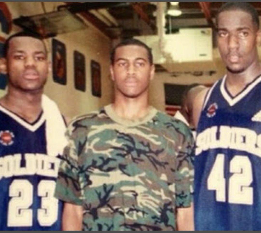 Skip you're wrong again..Bron and I have been friends since the 8th grade and btw we played on the same AAU team High School called the Oakland Soldiers!!! You haven't learned since the last time you take a L on your show and had to buy me a Case of Diet Coke! https://t.co/Ztu9aw01F2 https://t.co/MFT1SqJmYX