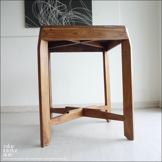 古いものならではの渋く落ち着いた質感から雰囲気が感じられます。 https://t.co/2lBlR1V4e0 https://t.co/edqgutBb2Q #テーブル #サイドテーブル #無垢材 #ヴィンテージテーブル #チーク材 #再生家具 #アンティークテーブル #古材 #カフェテーブル #ダイニング #コーヒーテーブル #銘木 #古材家具 https://t.co/XeeIc3De7g