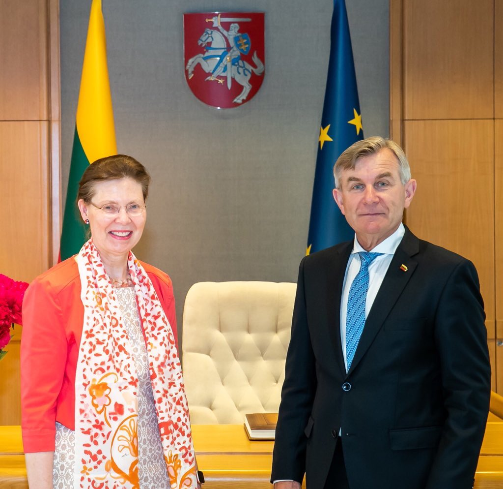 Farewell talk to Speaker of #Seimas @PranckietisV Confirming close & strategic partnership between #Lithuania & #Sweden Security, energy, trade, green innovations, people to people contacts & many more on our agenda.And of course remembering early visit to Sweden in 2017. 🇸🇪 🇱🇹 https://t.co/pRnKWzbnXo