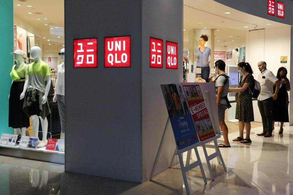 Japan shoppers queue, crash website for Uniqlo's washable masks https://t.co/dCpONqZ8id https://t.co/94tkbgV8z1