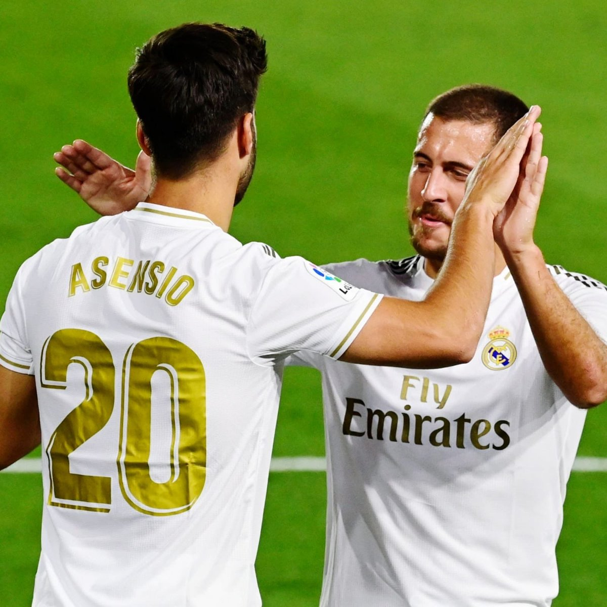 Nice first touch @marcoasensio10 and wow @Benzema 🚀🚀😳😳#halamadrid