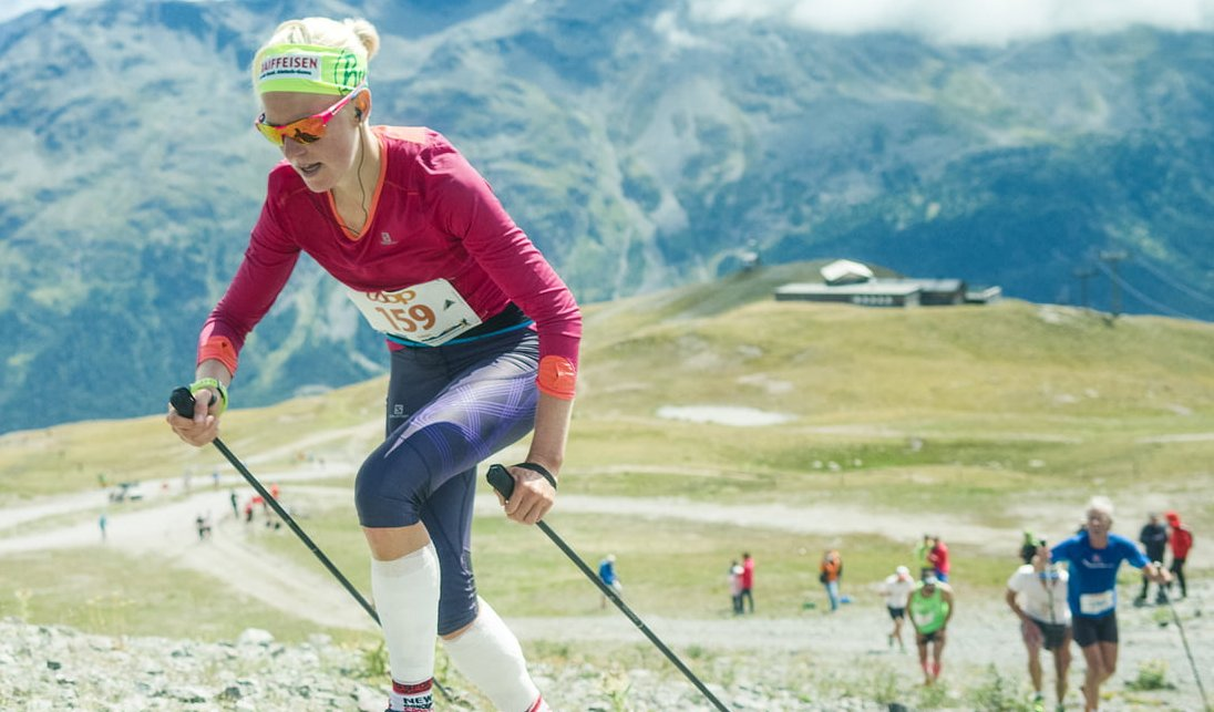 The Engadine summer run goes steeply - almost vertically.  The free fall is the steepest start of all men´s downhill ski runs (45 degree inclination). In winter, the skiers plunge practically vertically into the depths. https://t.co/lGARM8ISSt