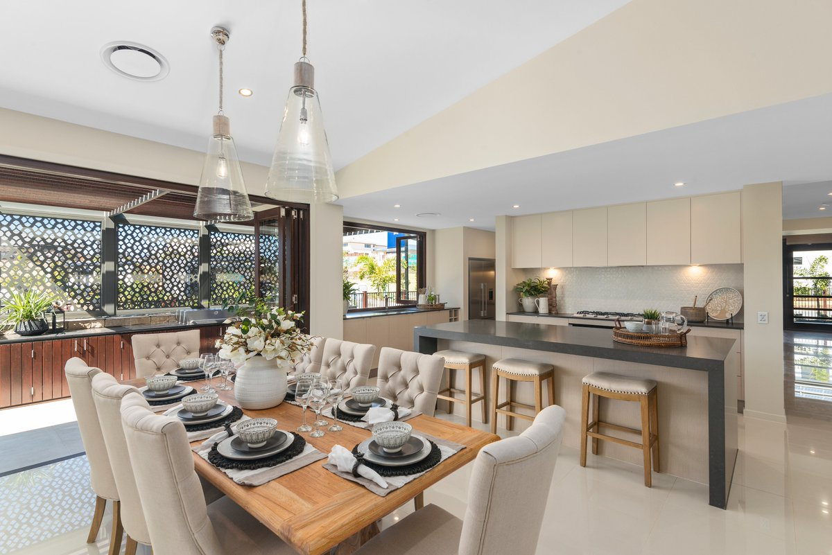 The Designer by Metricon Bohemian in beautiful Spring Mountain QLD is a contemporary design with plenty of space for the whole family.  If you are looking for a home with immense street appeal, then don't miss out on visiting this impressive display: https://t.co/rCmRPsMLwr https://t.co/rFH0hZ66Nv