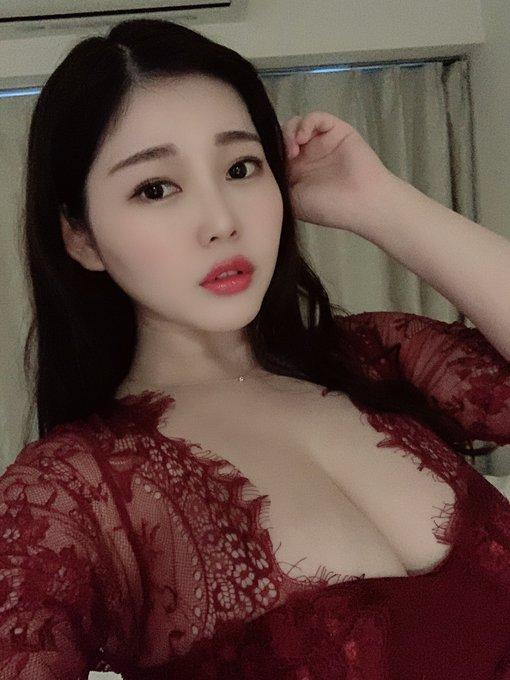 グラビアアイドル伊川愛梨のTwitter自撮りエロ画像23