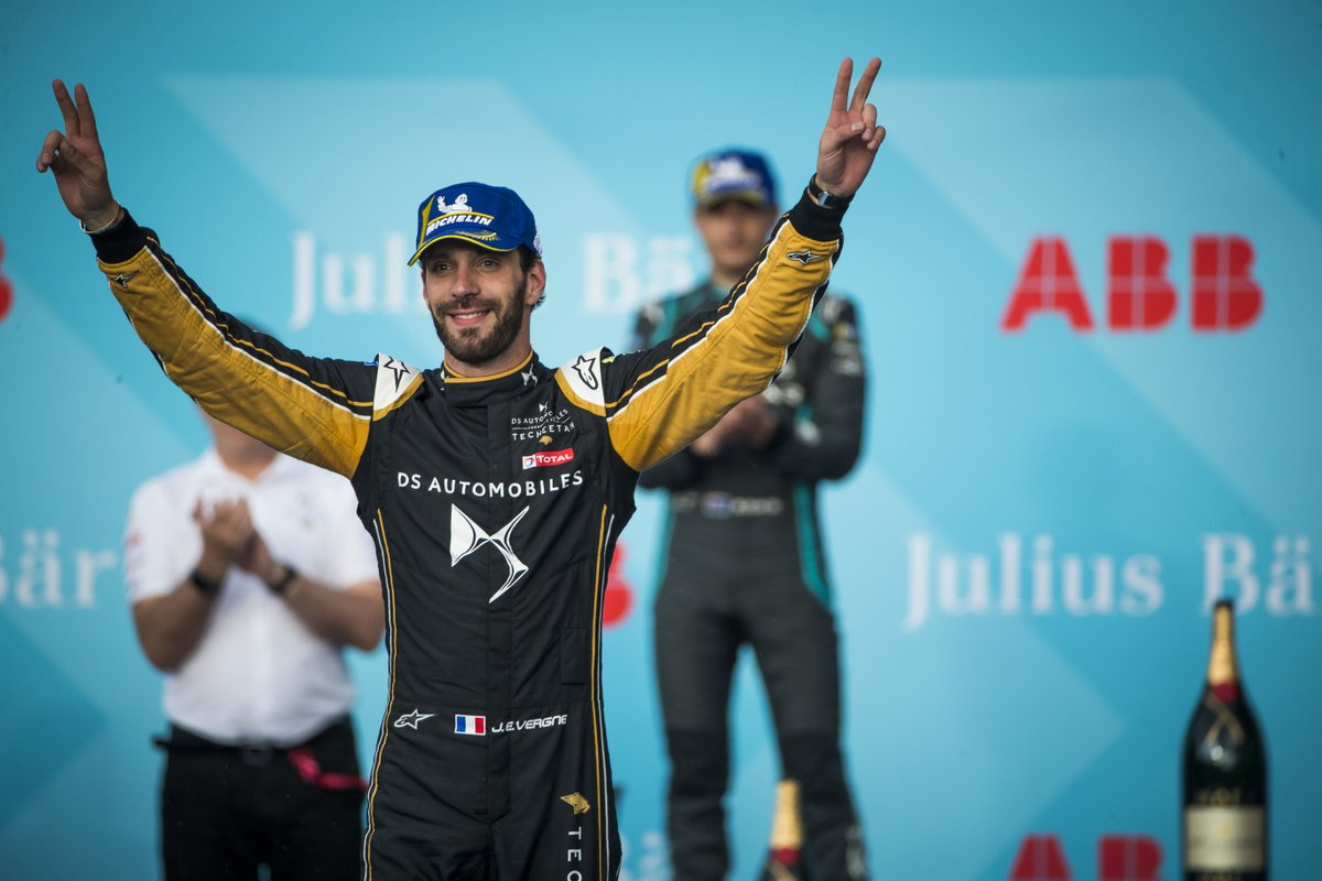 #Onthisday 2019, beggining the race on pole position @JeanEricVergne succeded protecting his first position and winning the #SwissEPrix  🏆  @FIAFormulaE @DSTECHEETAH https://t.co/H1et9lg33v