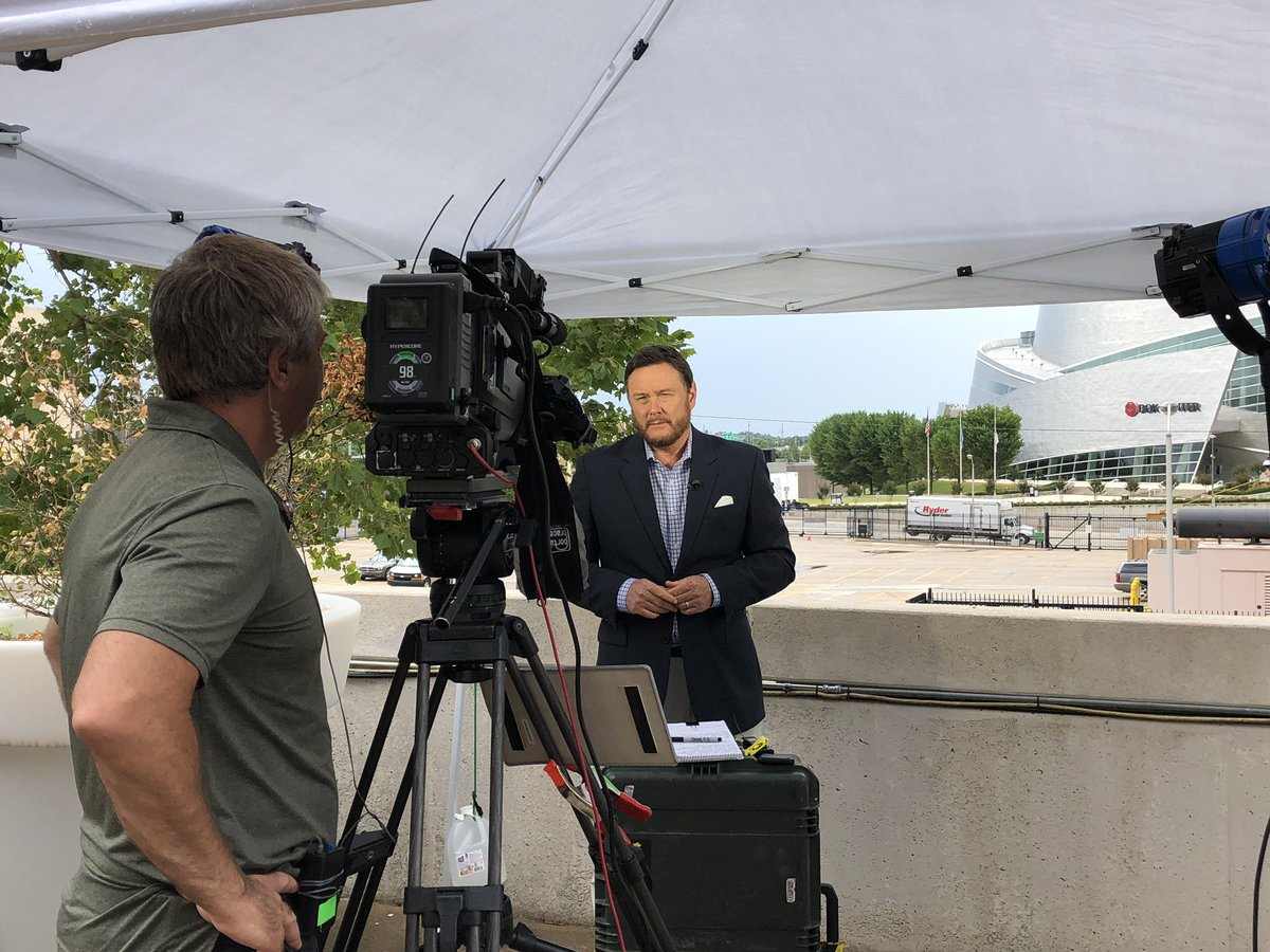 Live coverage 🎥🎥🎥 from @jaygraymatters as #Tulsa prepares to host #POTUS campaign rally Saturday Night