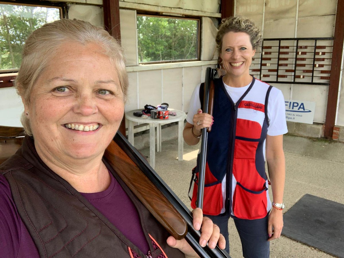 So good to shoot Olympic Trap with my dear friend @NittyNorth @nuttyclays #happydays #olympictrap #clayshooting #friendshippic.twitter.com/h1Whjtckdh