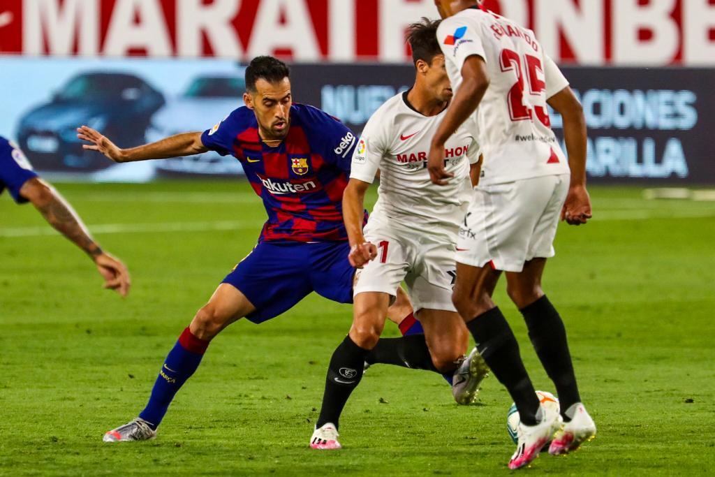 برشلونة يسقط في فخ التعادل أمام اشبيلية ويُهدي نقطتين لريال مدريد في سباق الصدارة