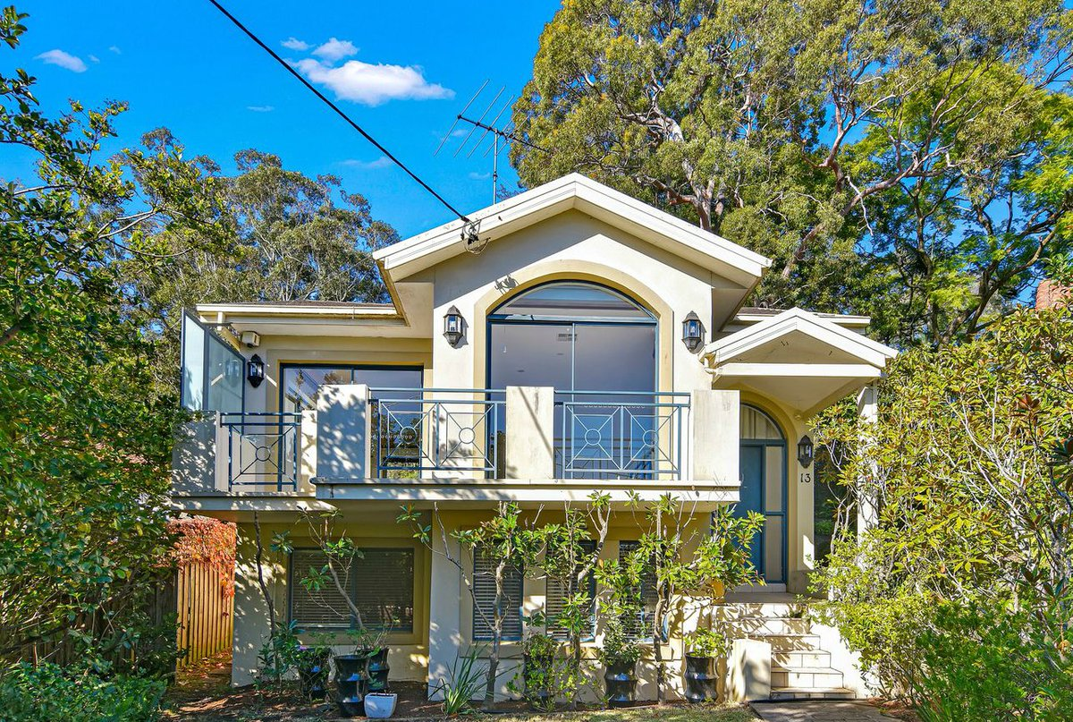 For Rent in Chatswood, NSW : 4 Bedrooms, 2 Bathrooms & 2 Carports. Visit Manly Business Directory for more real estate listing & Click the link to see more! http://ow.ly/s7OO30qRpWS   #manly #manlyaustralia #manlyrealty #manlyproperty #manlyrealestatepic.twitter.com/V3JHVyHNfq