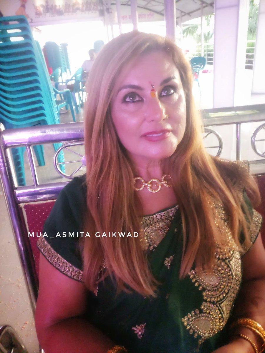 #MakeupBarByAsmita #indianmakeupartist #makeupartist #makeup #indianbride #mua #bridalmakeup #indianwedding #indianmakeup #beauty #hudabeauty #bridalmakeupartist #weddingmakeup #makeuptutorial #wedmegood #wedding #bride #wakeupandmakeup #indianbridalmakeup #makeuplooks #Indiapic.twitter.com/xHpTZ3fTYX