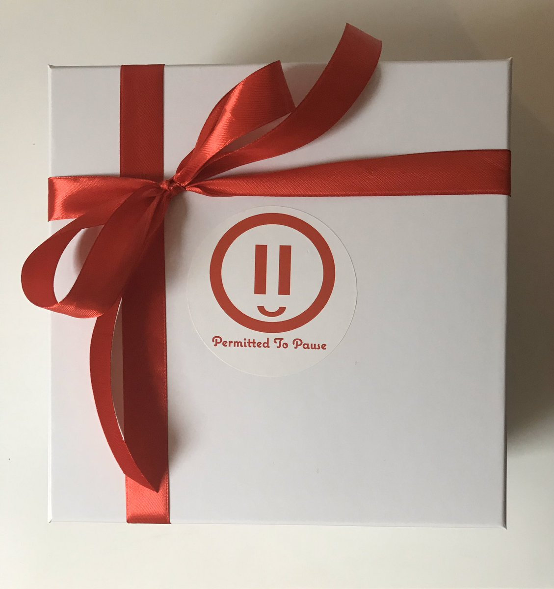 """NEW!""""It's the weekend, take a pause, buy our P2P TLC box,& donate to a good cause!""""On sale now:treat someone to a little TLC and with our medically themed fun box of treats!Each purchase makes a donation to @DoctorsDistress . For more details see permittedtopause.co.uk/p2p-tlc-boxes.…"""