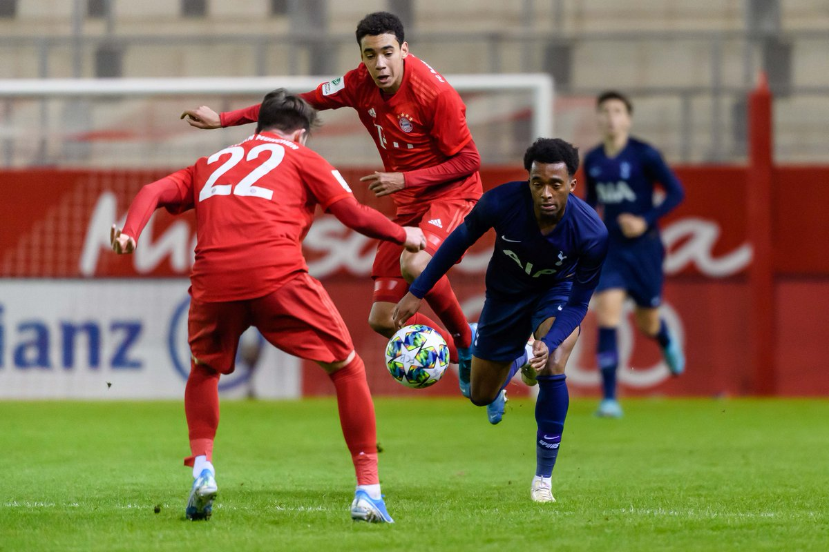 🌟Jamal Musiala🌟  11 December 2019 - makes #UYL debut for @FCBjuniorteam against Spurs✔  20 June 2020 - becomes @FCBayernEN's youngest Bundesliga debutant aged 17 years 115 days✔ https://t.co/lNfD010MG5