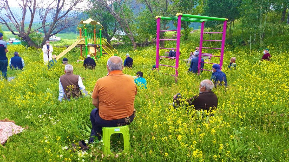 Outdoor Jumuah prayers at a village in Ardahan, Turkey ☺️