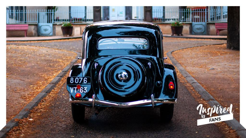 With Citroën Traction Avant, charm & elegance combine to create something that is… timeless ✨🕰 Gorgeous photo etiennemusslin (on Instagram) https://t.co/hh7PsqIxWQ