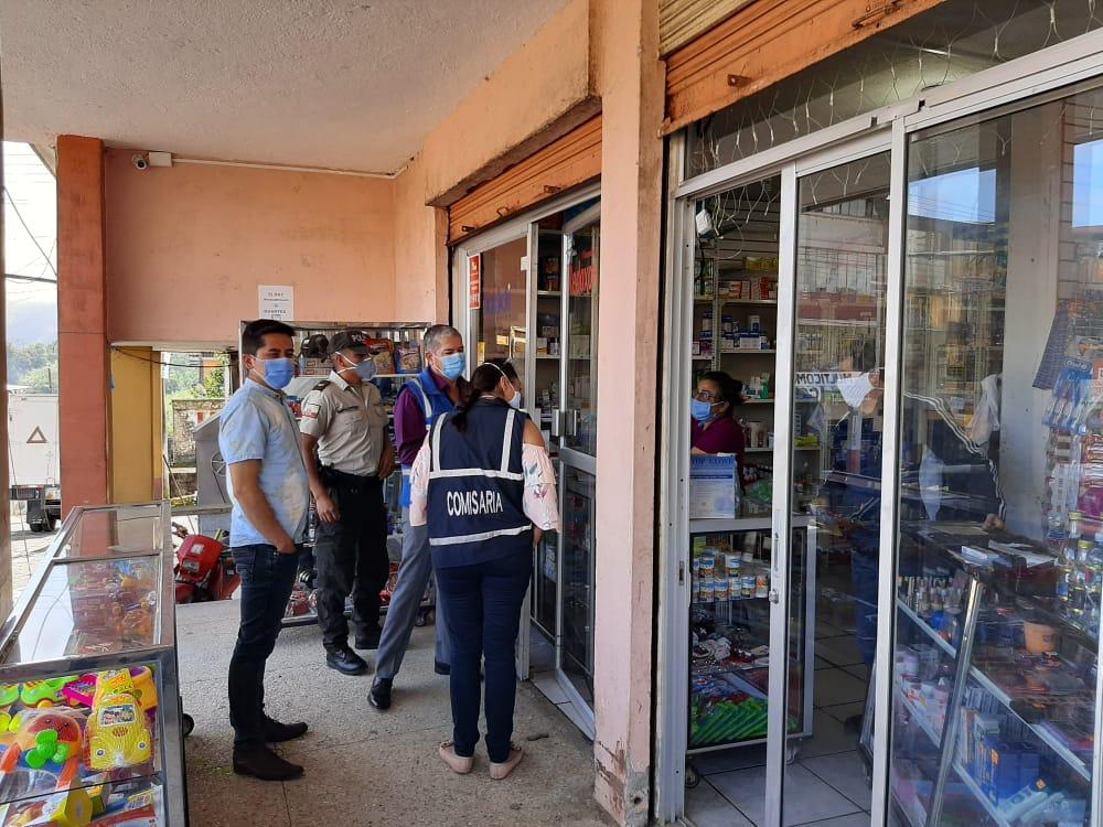 #GobernaciónCotopaxi #JefaturaPangua #ComisariaNacional Realizamos operativo de control de precios y especulación en las farmacias de la parroquia #ElCorazón por la emergencia del covid-19 #QuedateEnCasa #Por un #CotopaxiMásMejor  @Gober_Cotopaxi @Presidencia_Ec @MinGobiernoEc https://t.co/dRdczVTLWZ