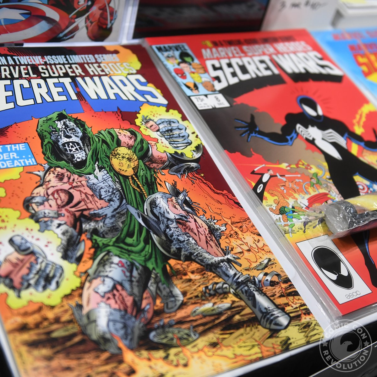 Gonna read some comics today...  #comicbooks #comiccon #ccront https://t.co/RpiJLcKH0m