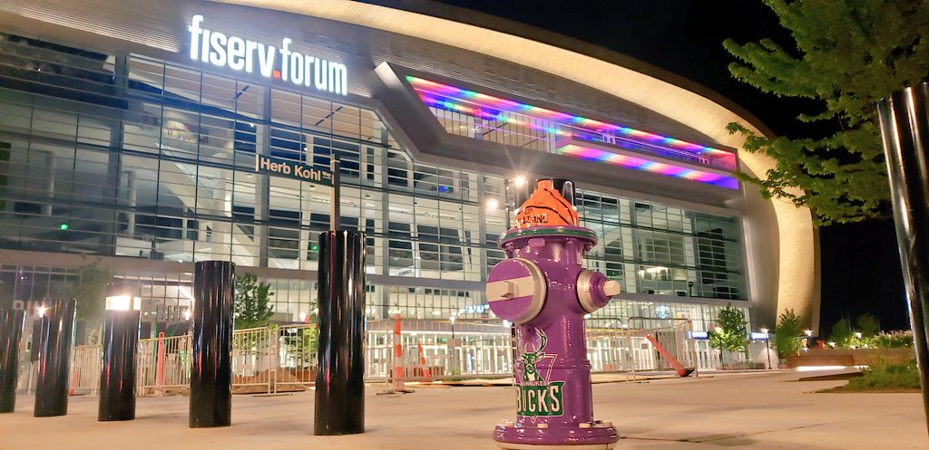 For the second year, @FiservForum is aglow for #PrideMonth https://t.co/p0yTOO8C8C