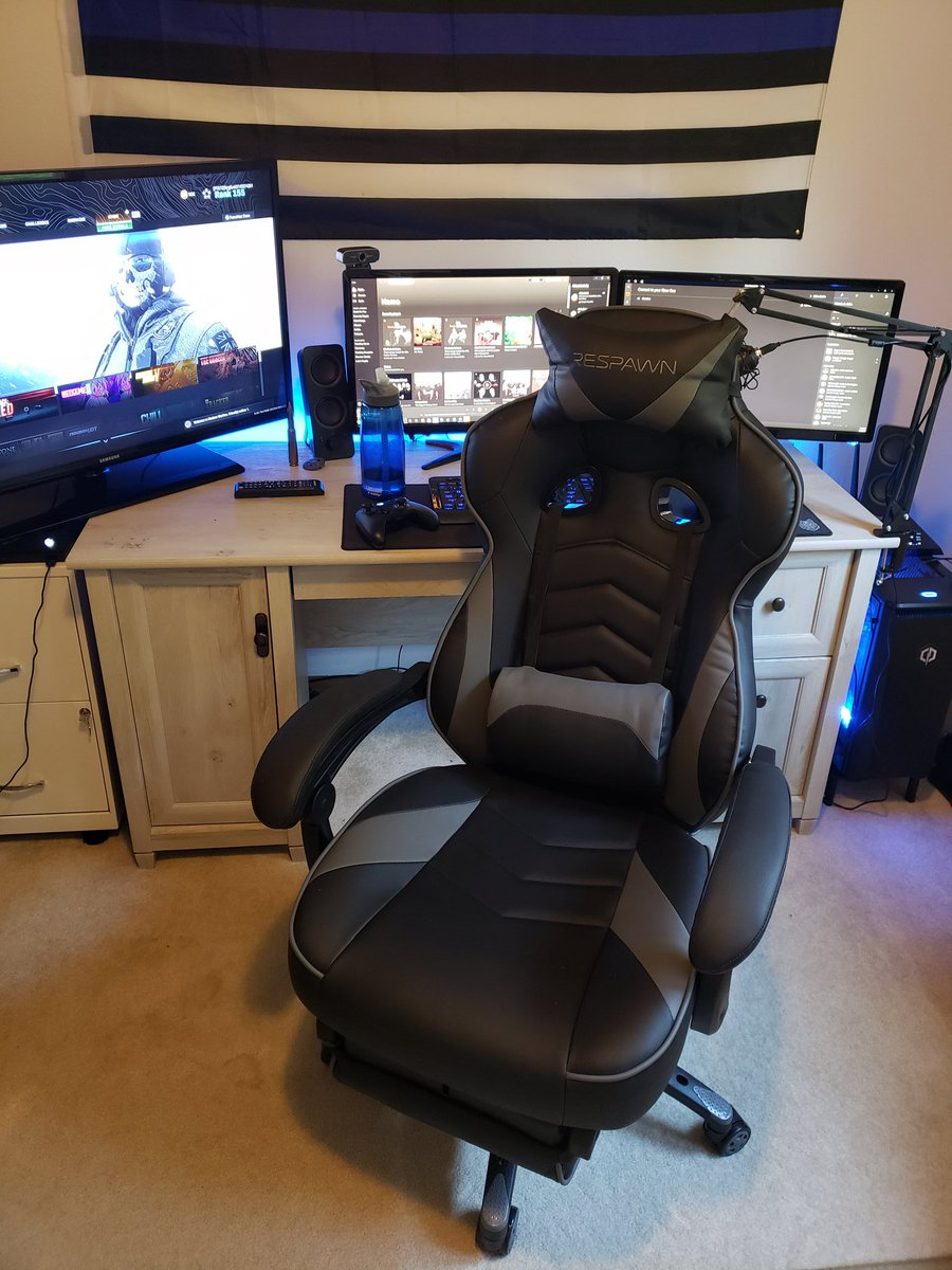 """Fergfunk32 on Twitter: """"Out with the old squeaky computer chair"""