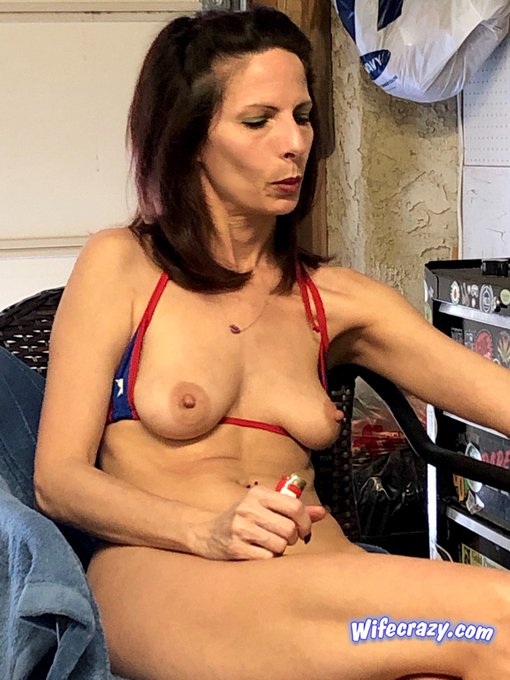 1 pic. My pussy was fingered so hard today it's swollen up   #fingerbang #wifecrazy #Stacie https://t