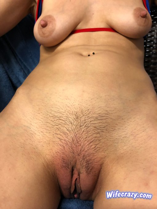 2 pic. My pussy was fingered so hard today it's swollen up   #fingerbang #wifecrazy #Stacie https://t