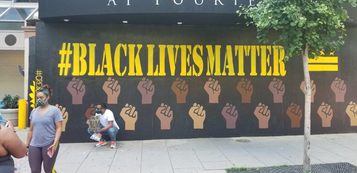 Beautiful art in dc! #BlackLivesMatttersDC #dc https://t.co/dnAEq0wptM