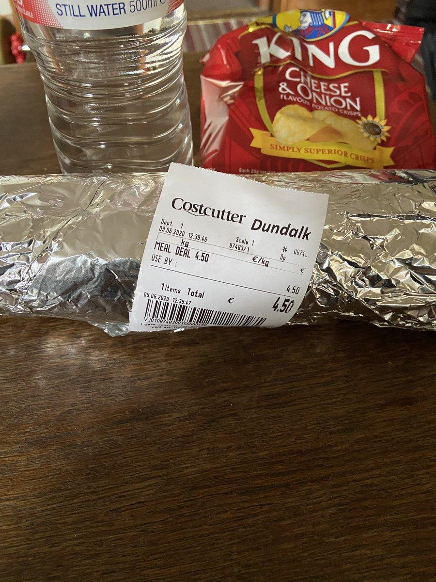 @the2johnnies Some virus value in Costcutter Dundalk! Chicken Roll meal deal €4.50! #saveourchickenrolls https://t.co/fk0tkTOksh