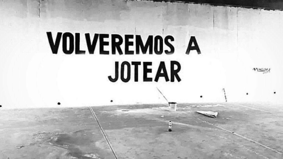 [Ah, chinga... ¿ah poco había que detenerse? ]  #Graffiti #StreetArt #ArteUrbano #ArteCallejero #ArtDeRue #GraffitiMéXico https://instagram.com/p/CBPTvFWhzvH/pic.twitter.com/2G8ofrmp5x