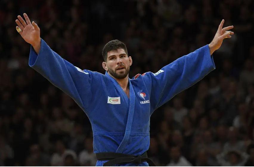 """#COVID__19 #Tokyo2020 :""""Je me suis dit que je n'étais pas à un an près » Rencontre avec le judoka @CyrilleMaret très heureux d'être revenu à l'#INSEP => https://t.co/H2cOl5uOs5 via @20Minutes   @ffjudo_officiel @GhaniYalouz @FranceOlympique @GRAND_INSEP @Sports_gouv @Paris2024 https://t.co/LSCPVlDiXy"""