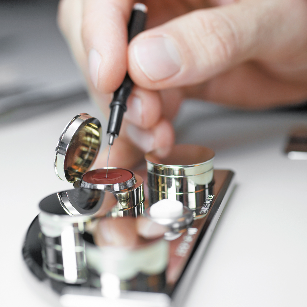 Tribology. The combined knowledge of engineers, chemists and watchmakers to prevent a timepiece from grinding to a halt. At Rolex, our dedicated tribologists work to raise reliability, accuracy and comfort to unprecedented levels. Discover more https://t.co/bFisJ792zp #Perpetual https://t.co/lUtM11lDGM
