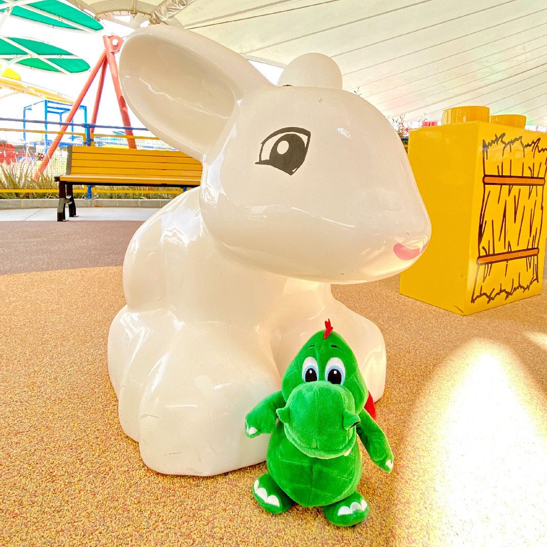 Hello boys & girls! I'm here in DUPLO Valley with my cool new friend, DUPLO Bunny! This place is AWESOME, with lots of LEGO Soft Bricks to play with, a DUPLO train and it's shaded to keep us out of the sun! - Ollie 🐉 #OllieExplores https://t.co/MwS4zhE0Ds