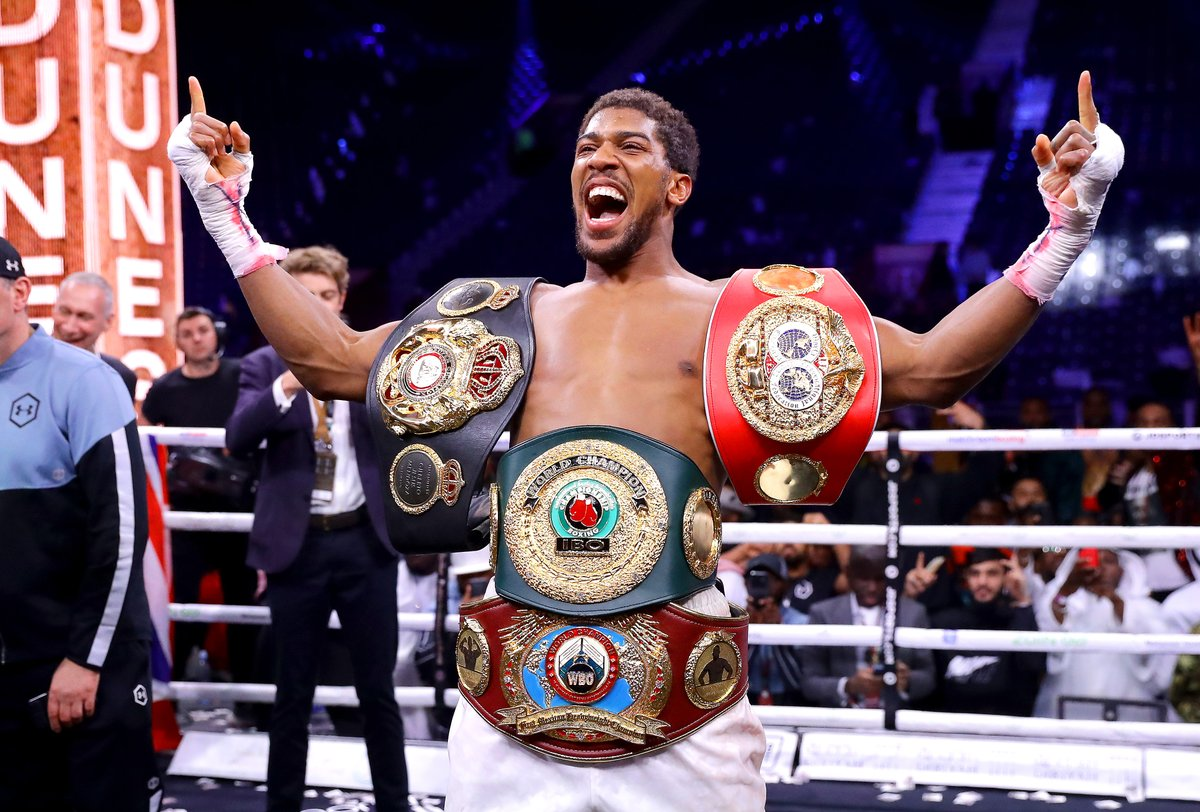 Anthony Joshua and Tyson Fury have agreed on a two-fight deal, promoter Eddie Hearn tells @SkySportsNews https://t.co/Ri6duME6yU
