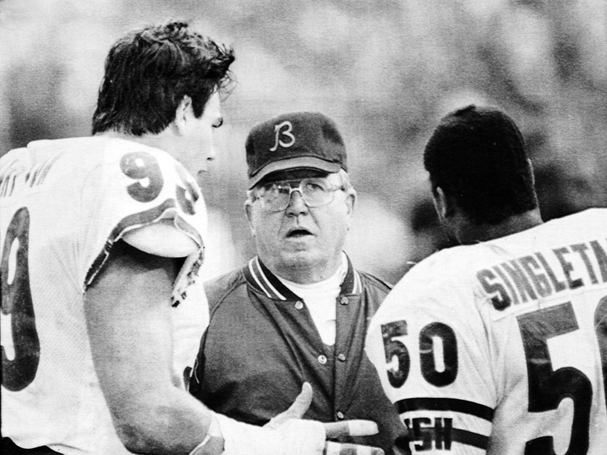 """#WisdomWednesday  The late and great Buddy Ryan once said,  """"Trade him for a six-pack. It doesn't even have to be cold.""""😂 😂 😂   Spoken like one of the truly great defensive minds this game has ever seen🏈 https://t.co/8RFwY8PSN4"""
