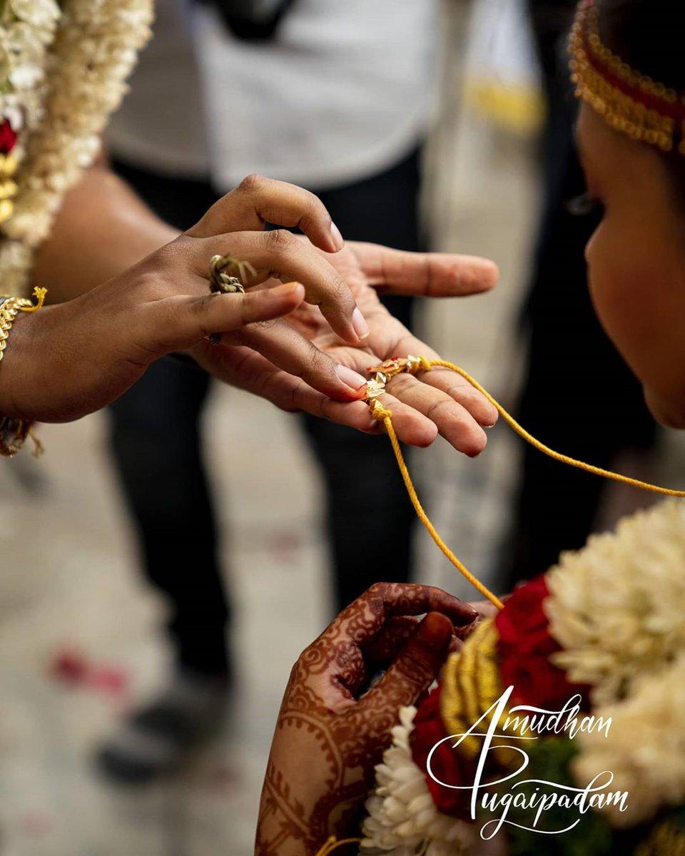 #Repost @amudhanpugaipadam #wedding #weddingphotographer #weddingphotographerinchennai #weddingmoments #tamilnaduwedding #moment #emotions #bride #bride2020 #wedding2020 #love #photo #photography #photographer #composition #sonyalpha #sonya7riii #a7riii #amudhanpugaipadam https://t.co/pDh9qgeHxb