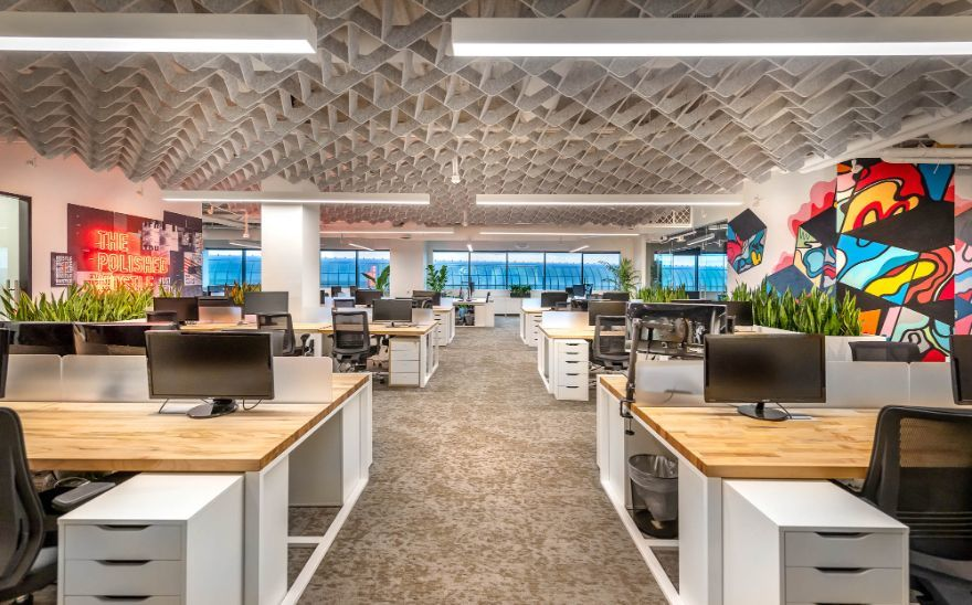 Master #designers at @ExperienceNVE realized a unique vision for the company's new #WestHollywood HQ. The lush space is centered around creativity and collaboration in the form of greenery, modern furniture, neon signage and more. Explore more here: https://t.co/Ak9Xs9yj8z https://t.co/qq4u78JagQ