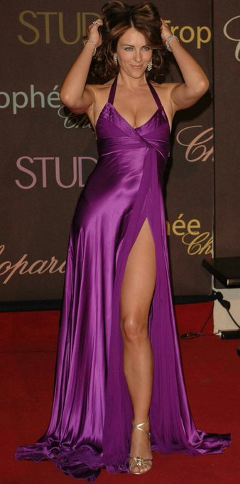 Happy Birthday to the gorgeous one and only... Elizabeth Hurley Mam..!!!