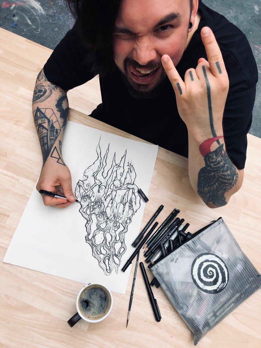 #Bastibasti ist übrigens komplett im Artwork-Modus für METROPOLIS! Seid ihr schon gespannt? #callejonmetal #metropoliskult #bastibastiart #kultmetal #callejon #metropolis #artworkpic.twitter.com/MsjPMw006H