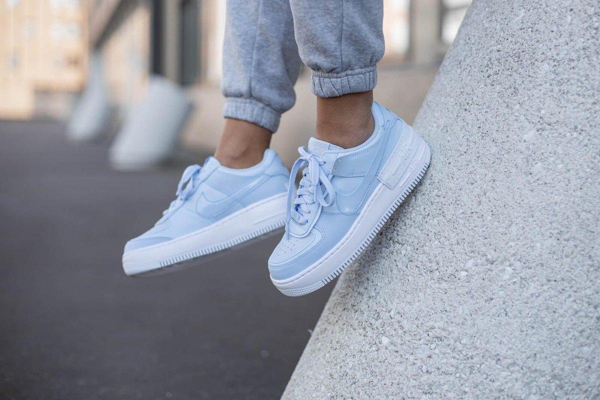 """Nike Casts """"Hydrogen Blue"""