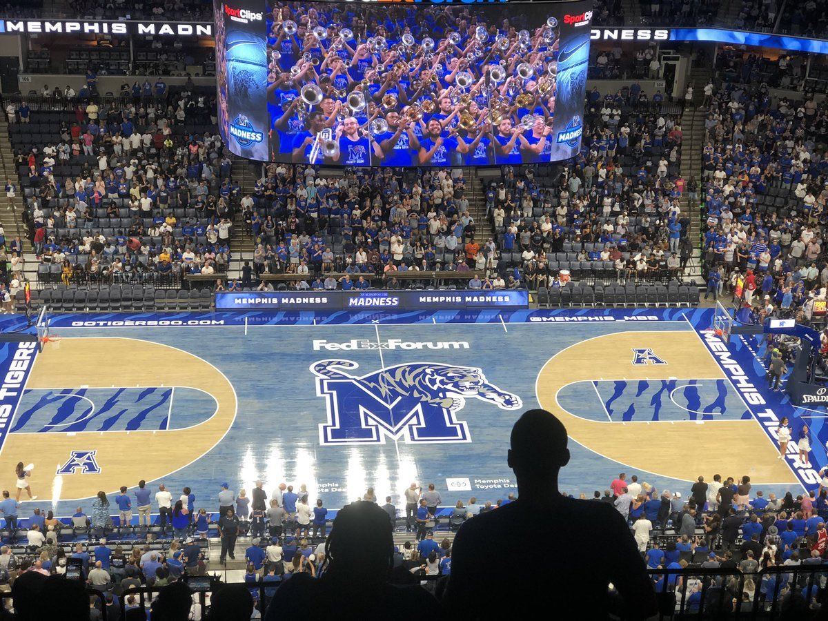 Truly blessed to receive an offer from coach penny and the university of memphis💙! https://t.co/KcbW4SBjxA